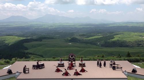 是永幹夫さんより「天空の展望公園 野外劇場TAOの丘」の壮大な写真が届きました!