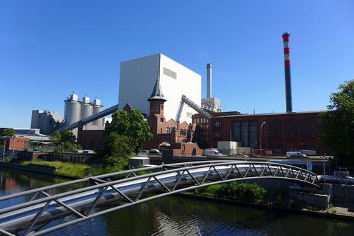 ふ印ボスのドイツまち歩き便り 「我々はプリミティーフ(原始的)な方法で」生み出している、というベルリン都市の水道施設を踏査!
