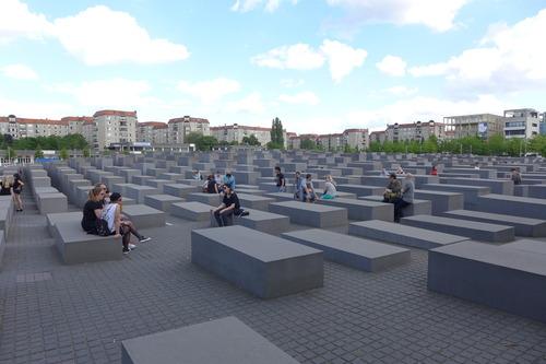 ふ印ボスのドイツまち歩き便り Denkmal für die ermordeten Juden Europas!
