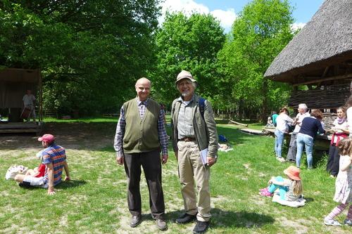 ふ印ボスのドイツまち歩き便り ここは縄文、弥生!?古代遺跡にスタッフがみずから住んでいるDuppel村探訪!