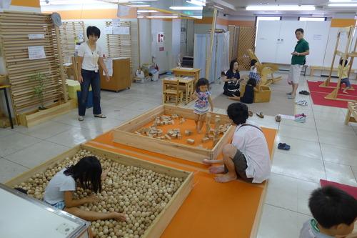 天草市高浜の森商事さん、西新プラリバ展示会は子どもたち別天地と化していました!
