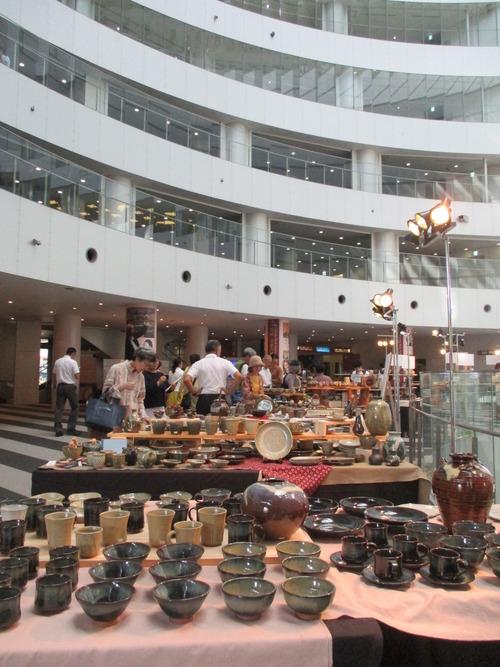 藤原研究室が関わった小代焼(熊本県)の展示会がアクロス福岡で開催されました。2016.10.5(水)~10(月)