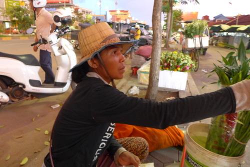 カンボジアのシェムリアップは、アンコールワット寺院、アンコールトム寺院への門前町として繁盛中!