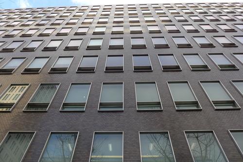 竹中工務店大阪本店1964年定礎「御堂ビル」65年竣工、1965年定礎「イトゥビル」をたんのうする!