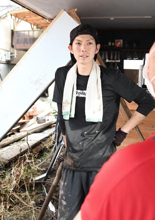西日本新聞、日田市天ヶ瀬で被災した近藤真平さん「開店1年のカフェバー全壊、それでも…天ケ瀬に恩返しを」
