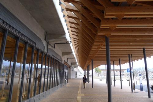 宮崎の凄いスギダラケ駅舎を視察!JR日向市駅。