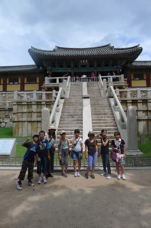 土曜学校(福岡シュタイナー学園)6年生7名、元気に真夏の釜山・慶州に修学旅行を完遂しました!