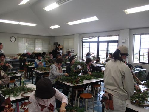 自然のものだけのクリスマスリースつくりin西日本短期大学キャンパスツアー2015.12.13(日)