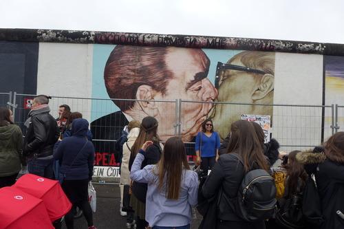 旧東ベルリン地区に残された DDRの記憶、そして東西ベルリンを隔てていた壁の痕跡