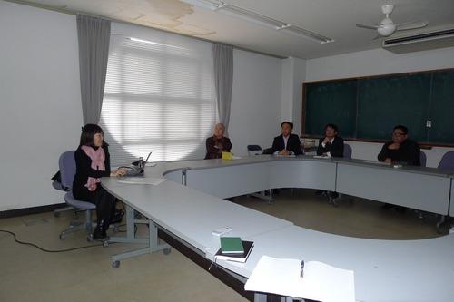 稲葉信子教授「国際文化遺産保護法」集中講義は、ついに世界無形遺産を論じつつアフリカ・Togoの泥家集落の問題にまで展開していきました!!
