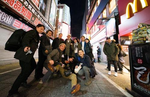 新宿西口の某所にて第1回ふ印ボス(藤原惠洋)を囲む会開催さる!