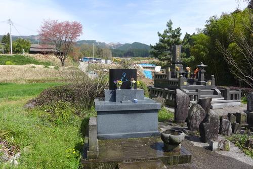 3月31日、南阿蘇村長陽村長野の墓参へ