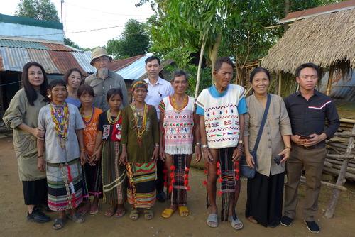 Minh Hanh女史と歩く〜ベトナム随一の服飾デザイナーMinh Hanh女史にご案内いただきながら・・・・