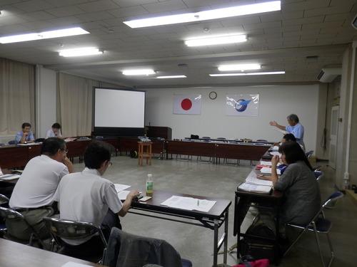 菊池の図書館を考える市民の会緊急9月例会・教育委員会生涯学習課・庁舎管理課との意見交換会が開催されました。2014.9.16