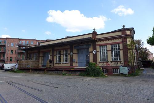 ふ印ボスのドイツまち歩き便り かつての紡績工場が創造的芸術制作の場へ変貌!ライプチヒのスピネライにはお洒落なレストランや巨大な画材屋も併設されていました。