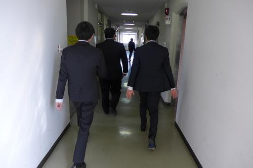 九州大学芸術工学部芸術情報設計学科4年生、ついに卒業、おめでとう!!