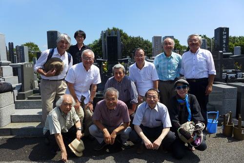 村松貞次郎先生17回忌墓参に参列しました。