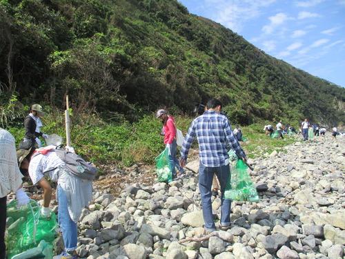 宗像市大島の海岸清掃をしてきました。2015.9.26(土)