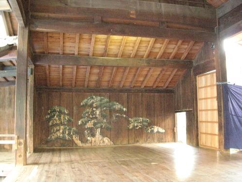 10月13日 公開講座学外演習「熊本県菊池市における祭礼「御松囃子御能」鑑賞と中世菊池遺産を巡って」を開催しました!