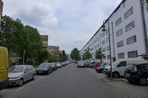 ふ印ボスのドイツまち歩き便り 世界文化遺産に登録された近代主義建築ジートルンク(集合住宅)!