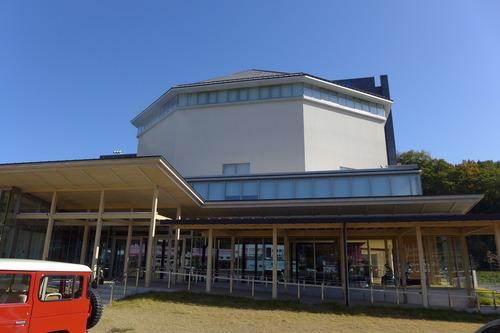 竹田市総合文化ホール〈グランツたけた〉訪問調査。中ホール「キナーレ」では映画『聲の形』を鑑賞体験!