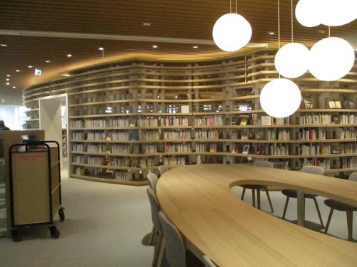 菊池市に生涯学習センター(菊地市中央図書館+公民館)に行ってきました!2017.11.25