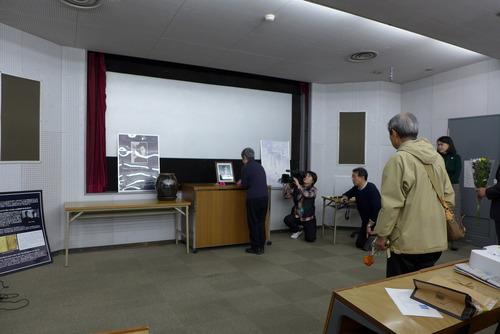 福岡・尹東柱の詩を読む会主催「尹東柱75周忌」福岡市早良区ももちパレスにて開催いたしました!
