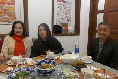ベトナムDa Latにて1972年ベトナム映画『愛は十七度線を越えて』主演女優チャ・ザンさんと夕食!