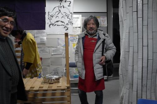 国民的漫画『クッキングパパ』の漫画家うえやまとちさん、芸工に出現!!日本文化政策学会「屋台大学in九州大学芸術工学部」シンポジウムへ。