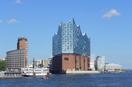 ふ印ボスのドイツまち歩き便り ハンブルクのエルフィーElbphilharmonie Hamburg!