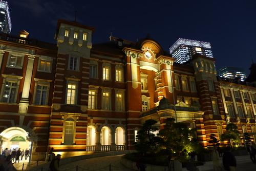 2019年12月3日(火)夜、丸の内で輝く赤煉瓦の東京駅!