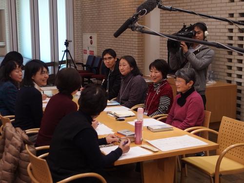 2015年2月6日(金)『尹東柱の詩を読み継ぐ2015』展示会の2日目、待ちに待った久しぶりの「福岡・尹東柱の詩を読む会」が開催されました。