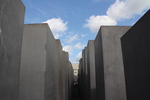 ドイツのベルリン、ユダヤ人虐殺追悼公園(Memorial to the Murdered Jews of Europe)に行きました!