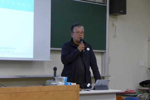 2018年10月18日(木)BEPPU PROJECT代表山出淳也さんと月田さんが九州大学芸術工学部を訪問。「芸術文化施設論」にゲスト出演