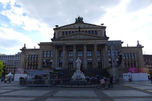 ふ印ボスのドイツまち歩き便り ベルリン・コンツエルトハウスの飛び込みコンサート!
