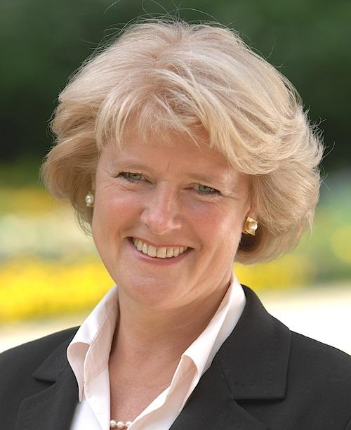 ドイツのモニカ・グリュッタース文化大臣は、2020年3月11日、「コロナウィルスの蔓延によって打撃を受けている文化事業者への大規模支援」を発表!