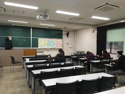 2020年12月19日(土)九州大学大学院芸術工学府「芸術・文化環境論」年内最後の集中講義を開講!