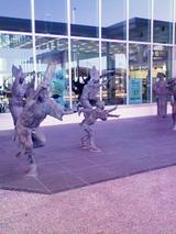 徳島空港阿波踊り像