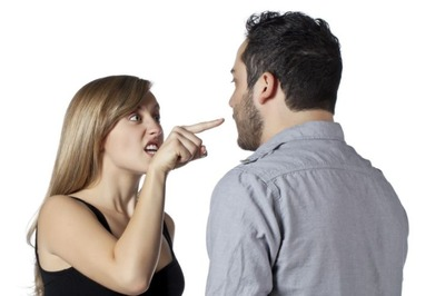 嫁は毎日面と向かって俺に何度も暴言を吐いてくる タスケテ・・・