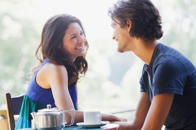 女との会話は「ふーん」「へー」「そうだったの?」を使い回せば成り立つよな
