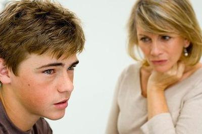 息子の少子高齢化のニュースを見ての感想に皮肉を言ってしまった 私の発言は精神的虐待に該当するのだろうか