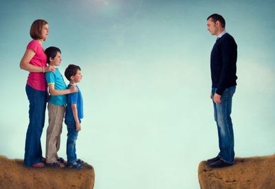 片親は子供のためにならない! 政府、離婚後も双方に親権が残る「共同親権」を選べる制度を導入へ