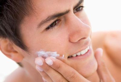 昔ワイ「化粧水?乳液?ムダ毛剃り?アホやろ男やのに」
