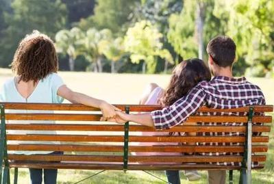 告白されて彼氏と付き合いはじめたんだけど同棲中だった