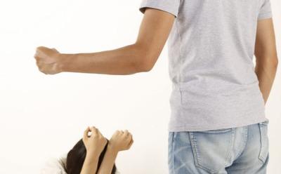 4人兄妹で私だけ両親から暴力を受けたり無視されたりしていた 伯母そっくりだからと嫌われ、小3あたりで暴力がピークになって施設に引き取られた
