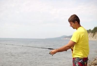 釣りの餌代で毎回いくらつかってんの?と嫁にキレられた 居間にイソメが散らばってる・・・