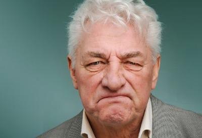 父親が定年退職してからボケはじめてキレやすくなって困ってる