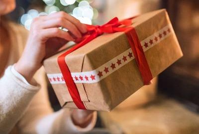 男性が「重い・・」と感じる女友達からのプレゼント