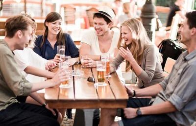 自慢したい人かついでに友達に会いたい人か