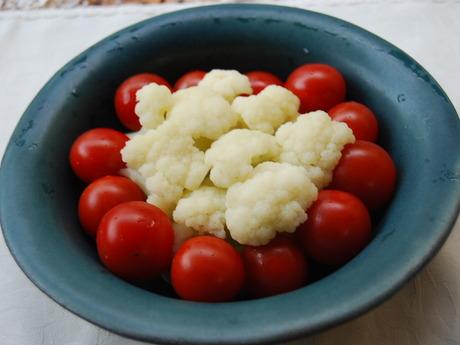 カリフラワーとプチトマト